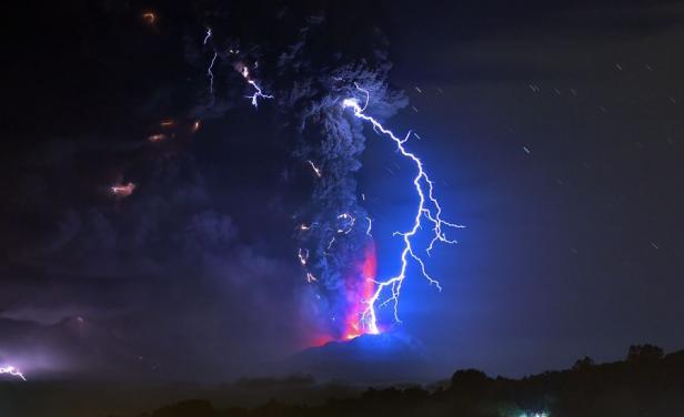 Volcán Calbuco, vista nocturna