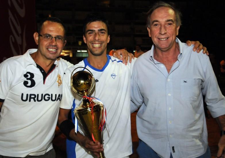 Luis Balseiro Gerente Deportivo del Club Malvín, Fabián Canaveris y Luis Gomes de Freitas, Gerente General del Club Malvín