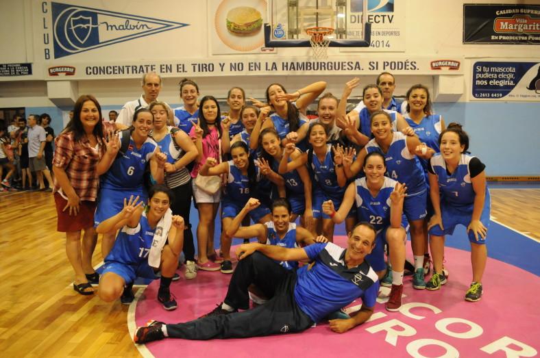 Básquetbol Femenino: plantel de Malvín campeón (foto A. Scuro)