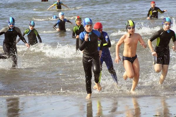 Jornada de salvamento acuático deportivo en Playa Honda