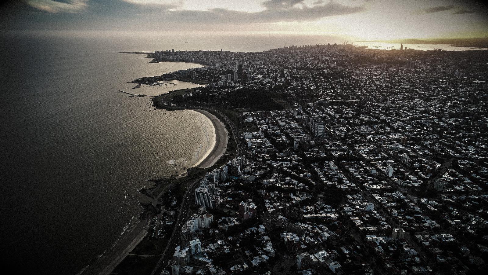Costa de Montevideo desde el aire