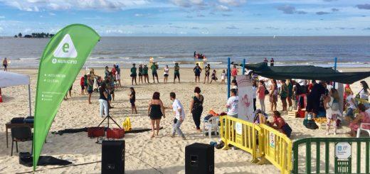 Actividad en Playa Malvín de la Asociación Todos Unidos Enfermedades Raras Uruguay