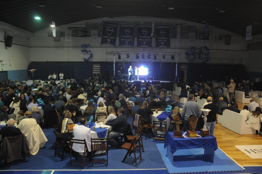El gimnasio Juan Francisco Canil se vistió de fiesta para celebrar el pentacampeonato