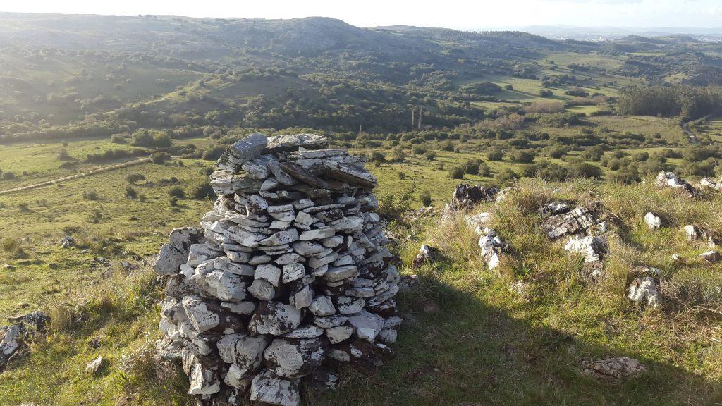 Las formaciones cónicas de los indígenas son parte del paisaje en el Valle del Hilo de la Vida