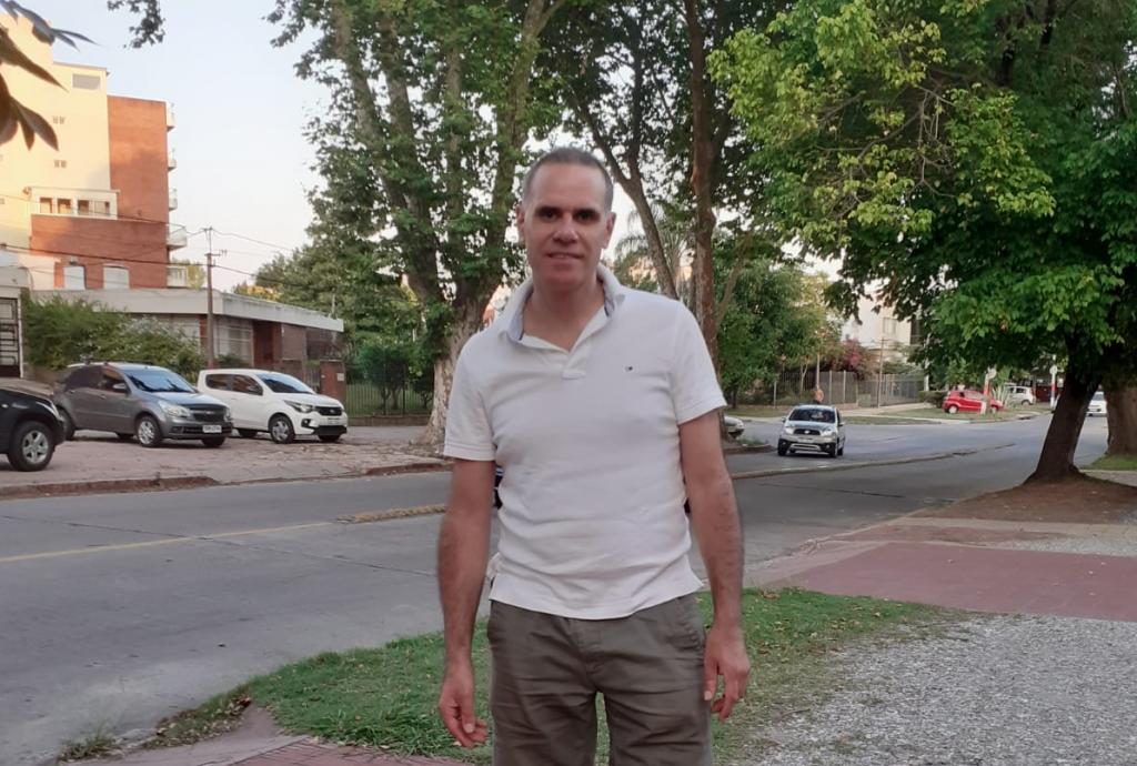 Dr. Fernando Corchs: periodista de raza radicado en el barrio