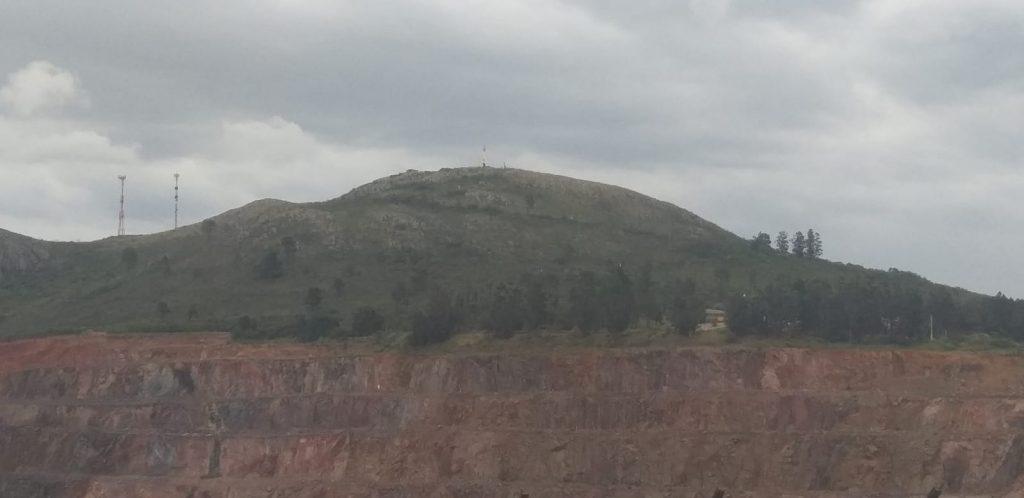 Cerro del Verdún desde la ruta