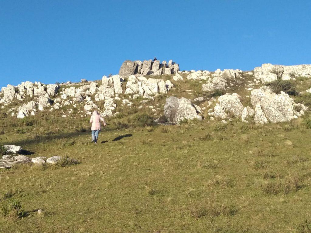 El acceso a la cumbre del Cerro no presenta mucha dificultad