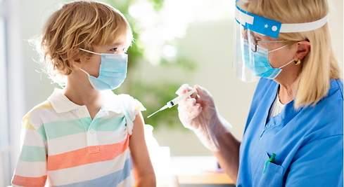 Según datos del MSP fallecen 4 veces más los vacunados con Pfizer que con Sinovac