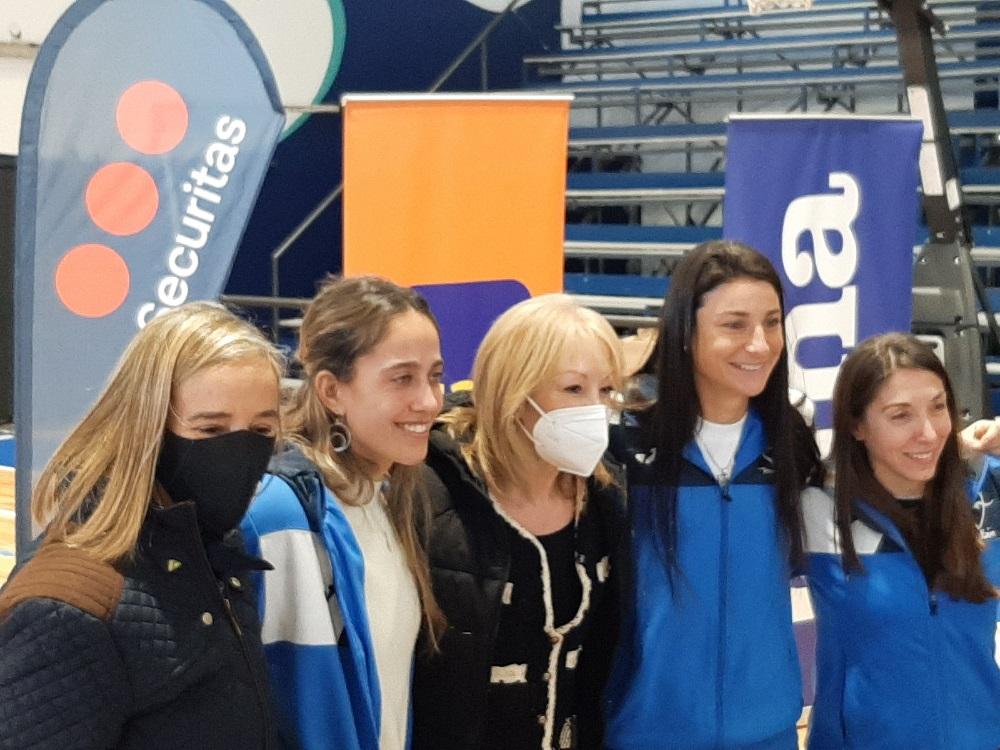 Alcaldesa Mercedes Ruiz, Sabina Bello, intendenta Carolina Cosse, Florencia Somma y Fiorella Martinelli